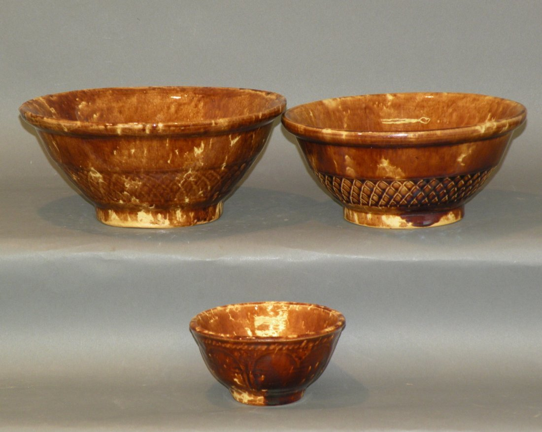 543: 3 Rockingham glaze mixing bowls