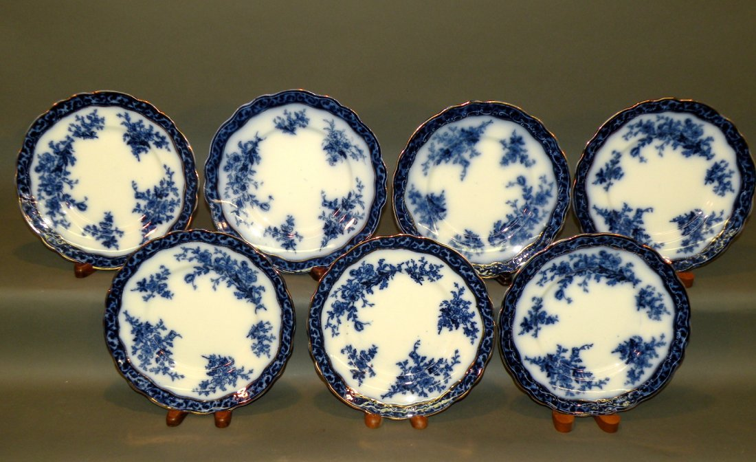 553: 7 flow blue plates