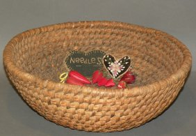 255: Rye straw basket & assorted pin cushions