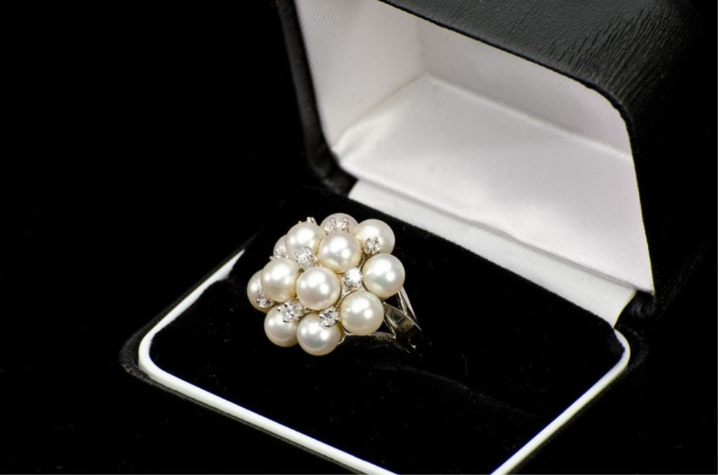 156: 14k Pearl & Diamond Ring