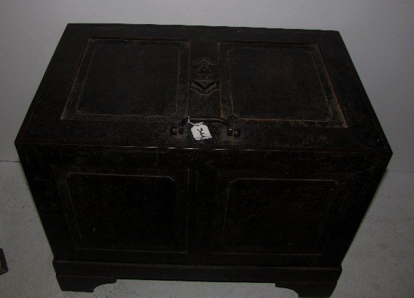 344A: Continental iron strong box, 18th/19th century. H