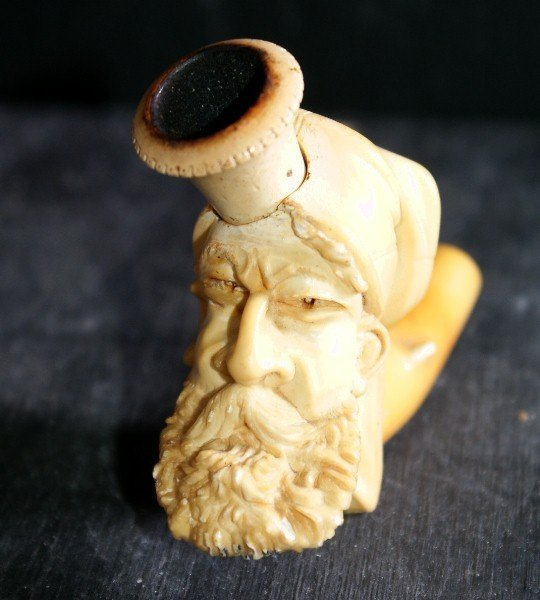194E: Continental carved ivory pipe - 2