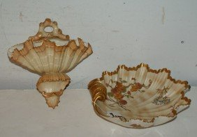 7: Two Royal Worcester pieces; a shell-form wall pocket