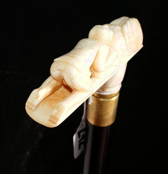 272: Carved ivory walking stick with erotica pommel. 36 - 2