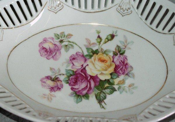 11: Porcelain bowl and porcelain two sided gravy boat