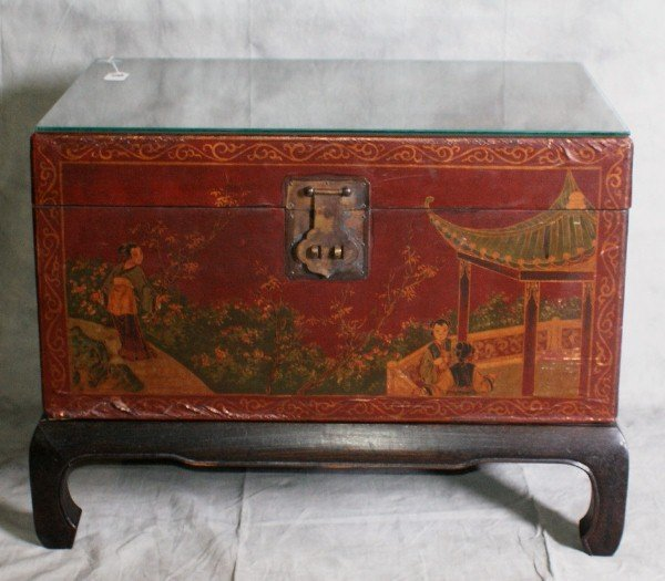 8: Chinese red laquered chinoisserie two handle covered