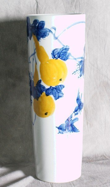 """1:  Chinese porcelain umbrella stand. H:17.5""""."""