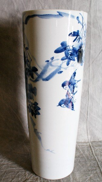 """19:  Chinese painted porcelain umbrella stand. H:18.25"""""""
