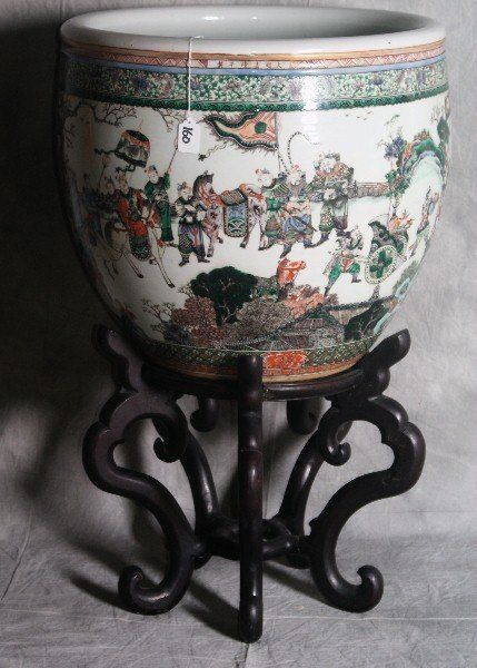 160: 18th/19th C Large Chinese Famille Verte porcelain