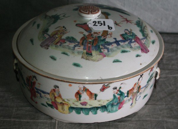 Large 19th c Chinese porcelain covered bowl with