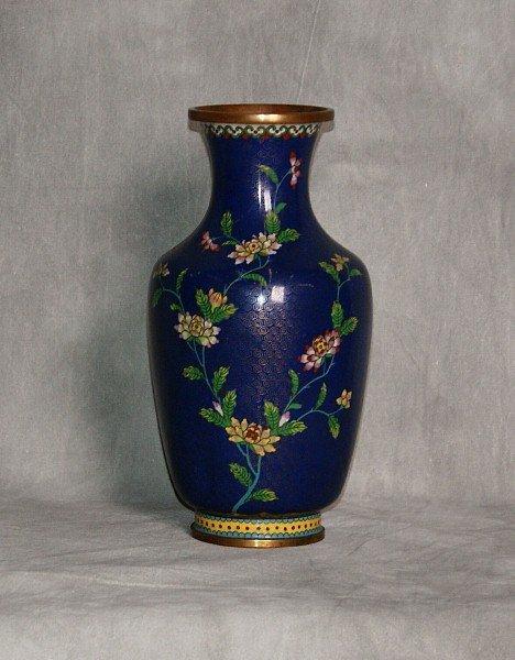 """Antique chinese cloisonne vase. H:9"""" D:4.5"""""""