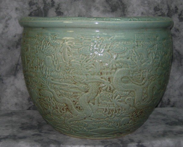 Large 19/20th C Chinese celadon porcelain fish bowl