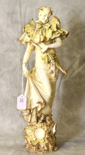 Teplitz porcelain figure of a woman
