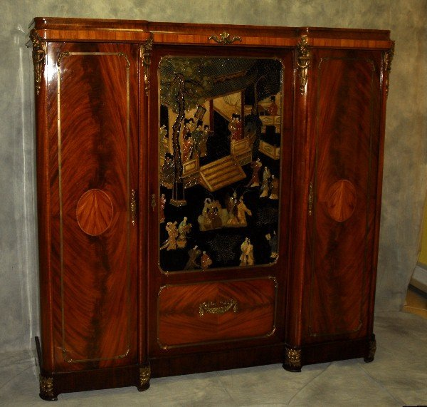 19th C French Chinoiserie bronze mounted cabinet