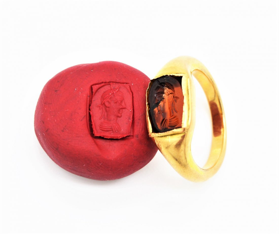 EXTREMELY RARE ANCIENT ROMAN GARNET INTAGLIO GOLD RING