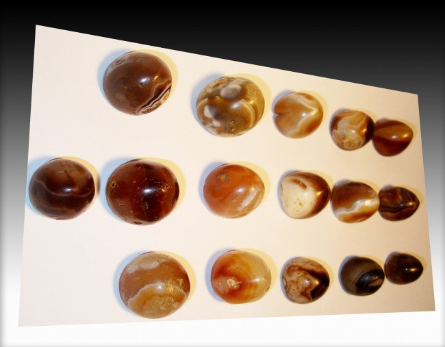 17:  Ancient Agate Gaming Piece