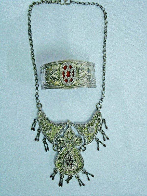 21: A Bukhara Necklace & Bracelet