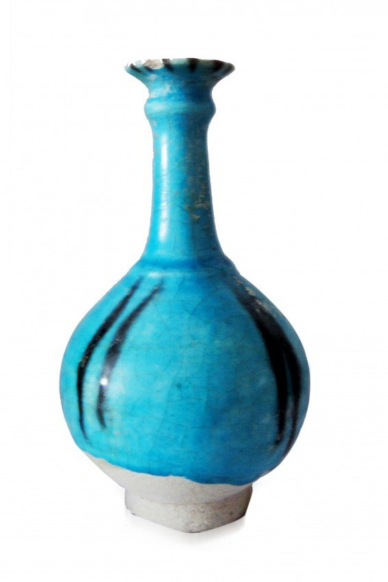 2: A KASHAN TURQUOISE AND   BLACK LINED POTTERY VASE CE