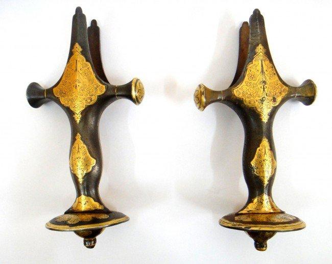 69: A PAIR OF MUGHAL SWORD  GOLD INLAID HILT , 18TH CEN - 3