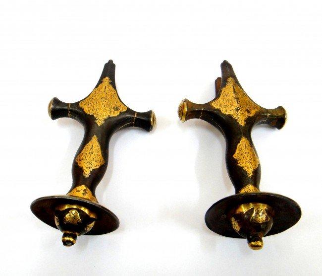 69: A PAIR OF MUGHAL SWORD  GOLD INLAID HILT , 18TH CEN - 4