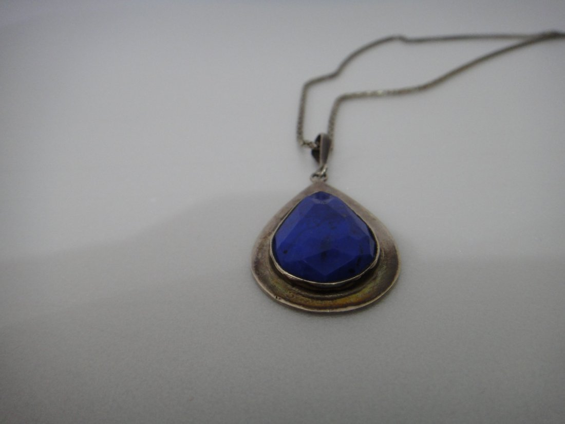 A Persian Oval Cut Lapis Lazuli Silver Necklace