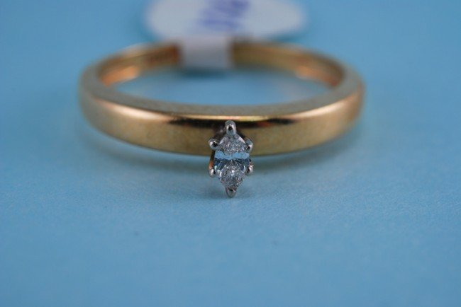 4: 2.0 gram 417 solid gold diamond ring. Engagement.