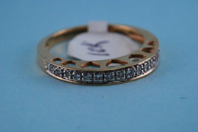 18: 417 Yellow Gold Diamond Heart Band. Solid Gold 2.4