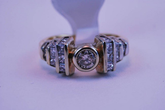 15: Tray#1B 14k Rnd Ctr Diamond in Bezel Engagement rin