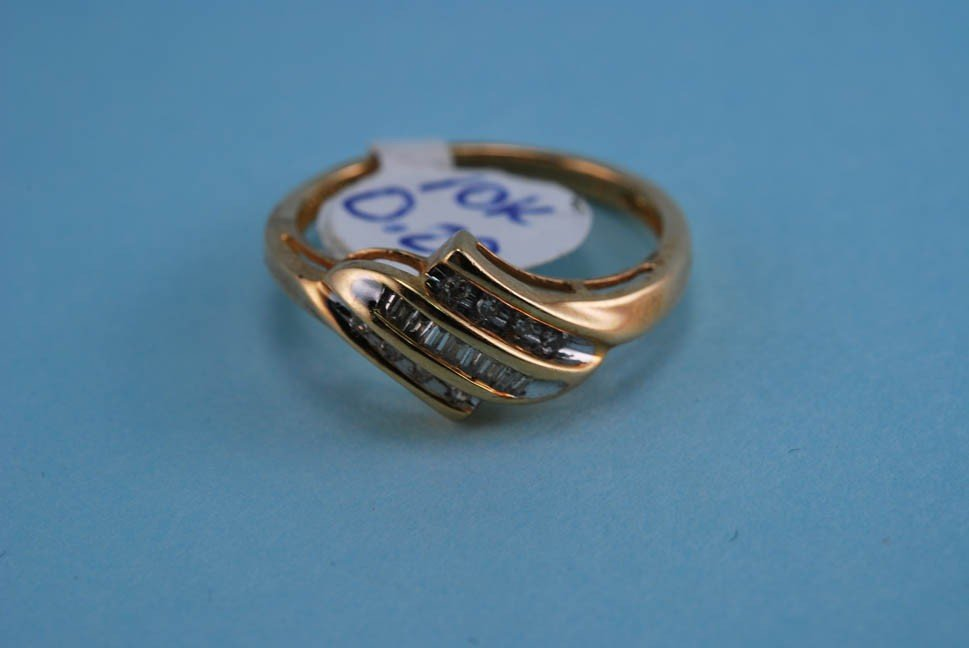 8: 417 Yellow Gold and Diamond Cocktail ring. Solid Gol