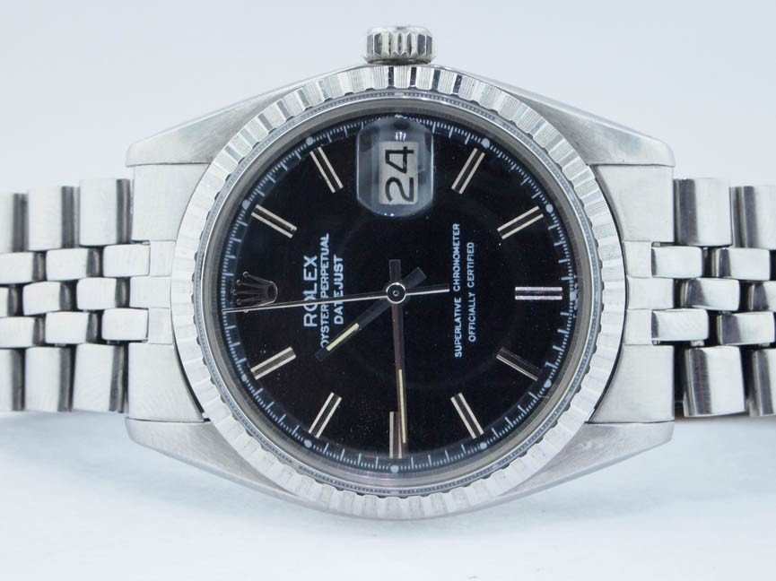 16: Rolex Mens Stainless Steel Datejust. Black Dial.