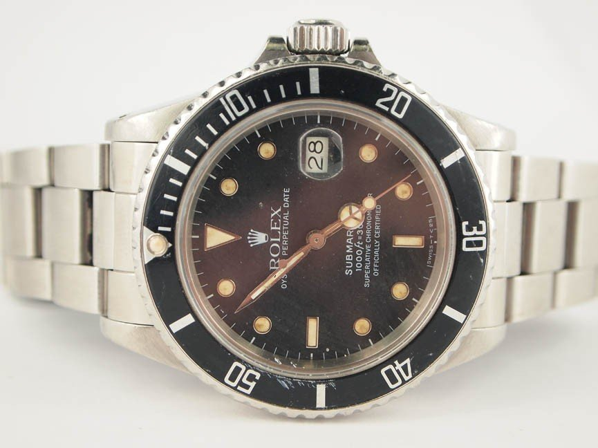 15: Rolex Mens Stainless Steel Submariner. Date.