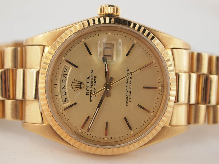 18: Rolex Mens 18k Gold President. Hash Dial.