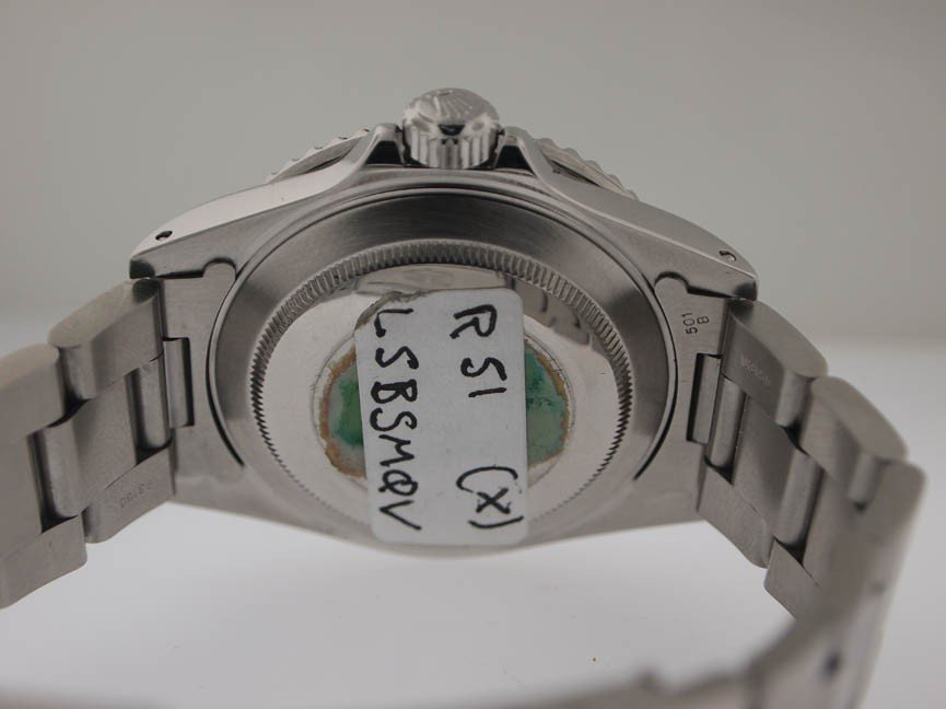 137: Rolex Mens SS Submariner. Date. PAPERS. X Serial. - 4