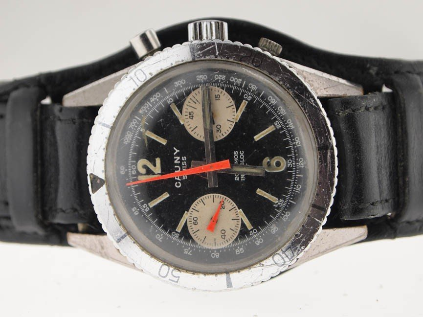 8: Cauny Mens SS Vintage Chronograph. Missing Button.