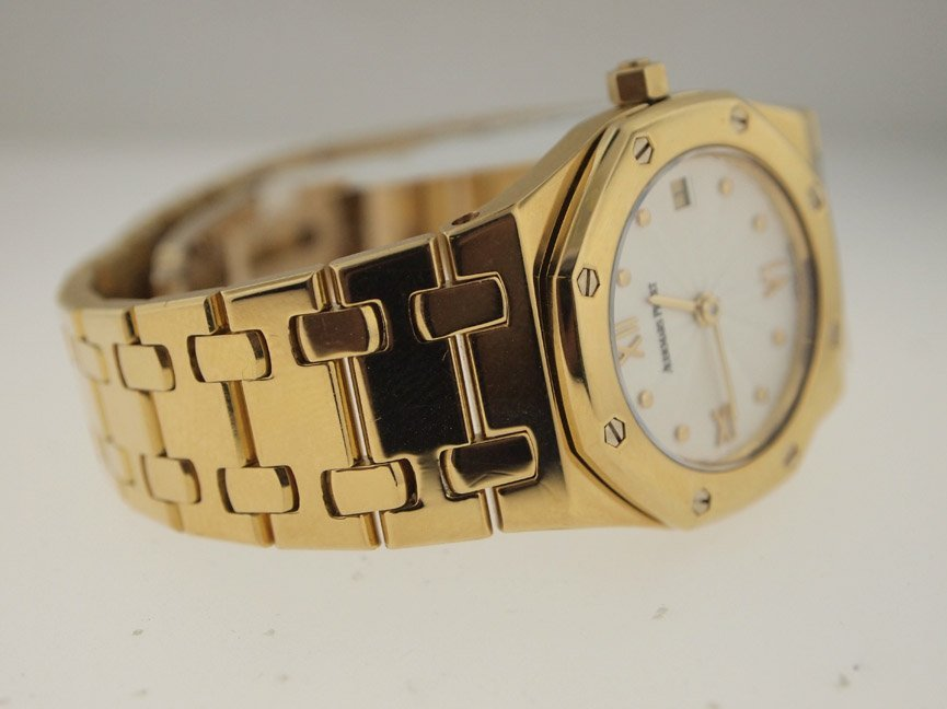 Audemars Piguet Ladies 18k Royal Oak. - 2