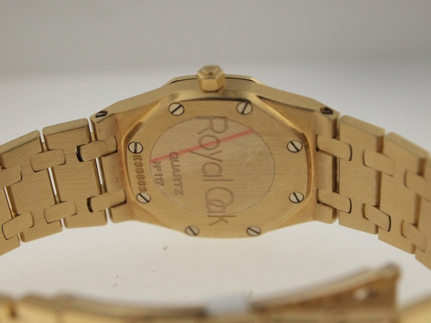 Audemars Piguet Ladies 18k Royal Oak. - 3