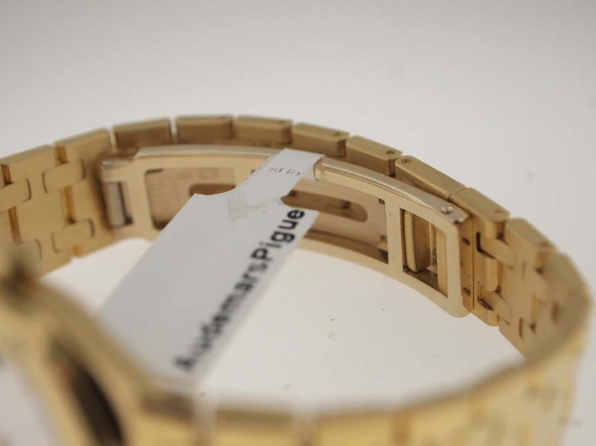 Audemars Piguet Ladies 18k Royal Oak. - 5