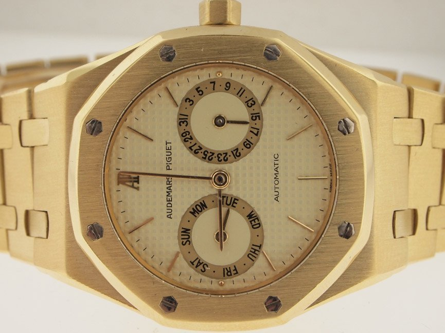 Audemars Piguet Mens 18k Royal Oak Calendar.