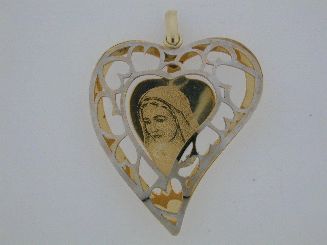137: Large Mother Mary Heart charm
