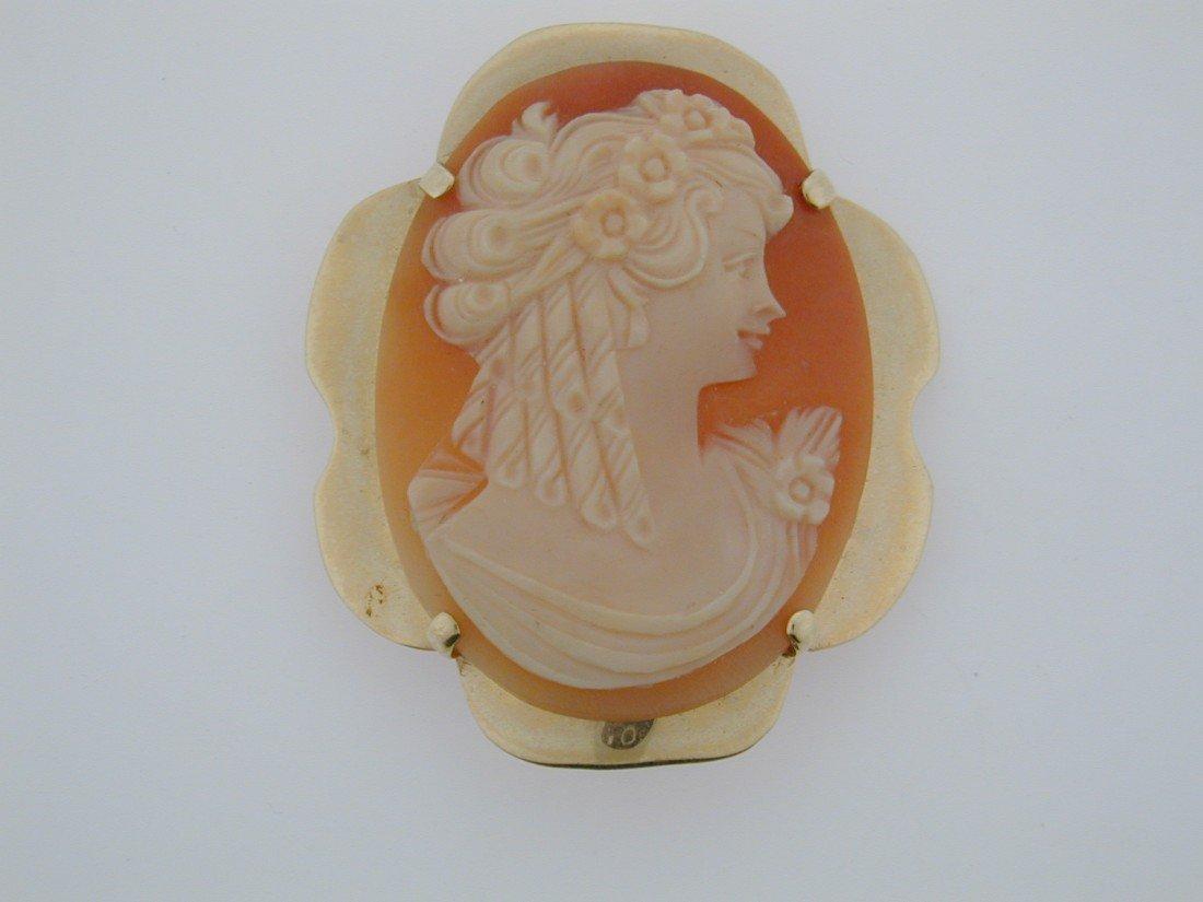 143: Hawaiian Carved shell Cameo  GOLD