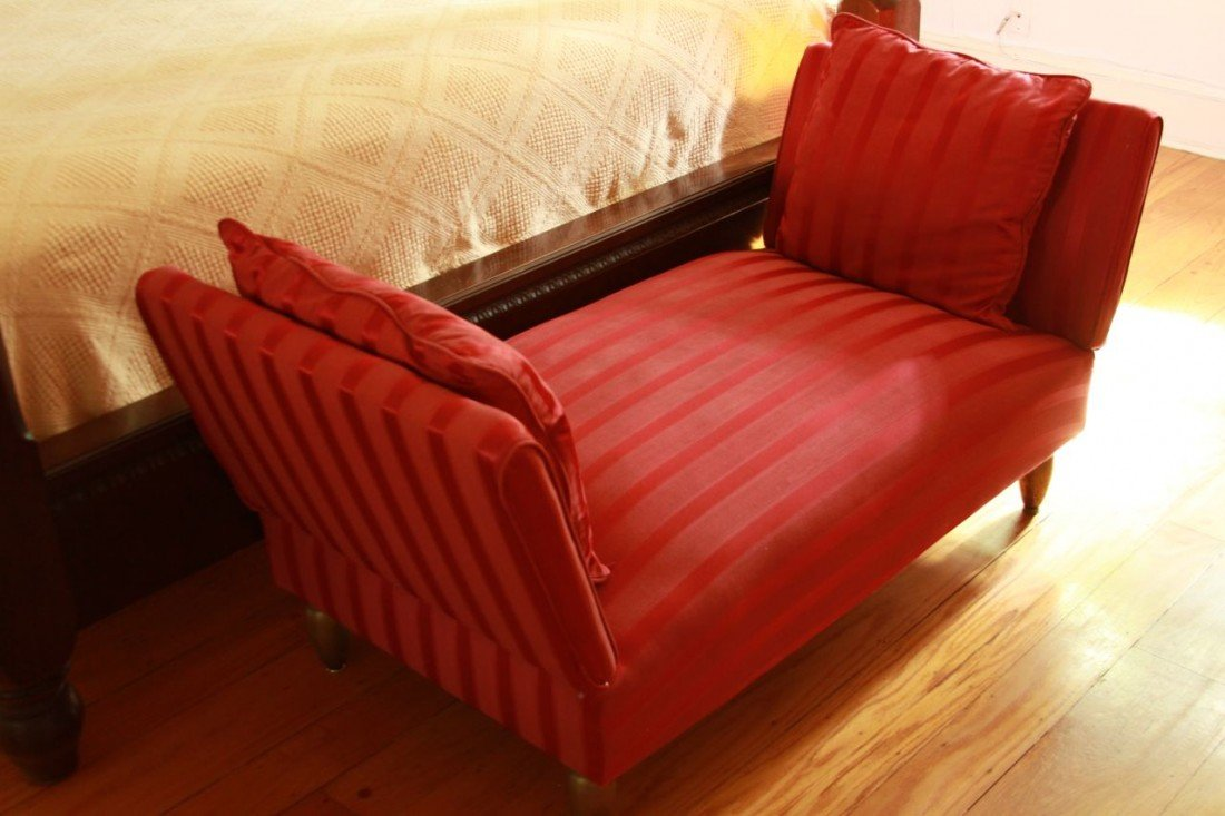 6: French Deco Red day bed
