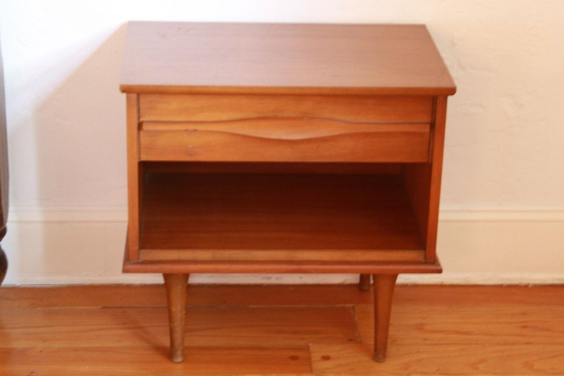 7: 1950's American side table