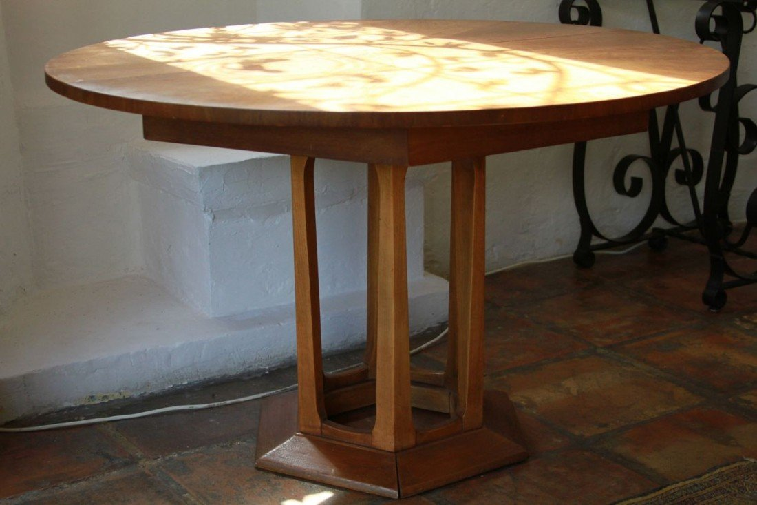 19: Circular wooden table French