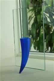 69: Phillipe Starke  Petite �tranget� Sous un Mur Vase.