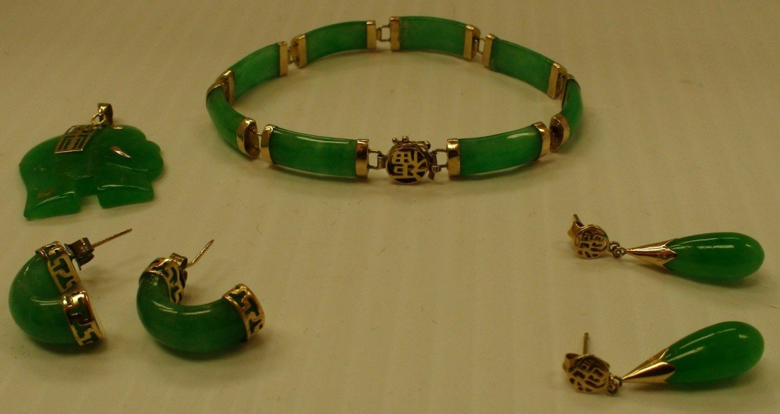 164: jade and gold ladies set