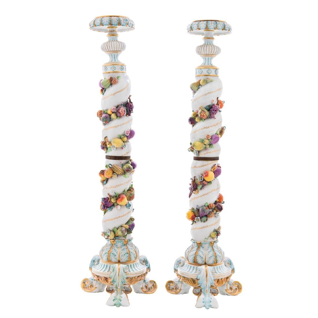 A PAIR OF COLUMNS. LATE 19th CENTURY. Sèvres style