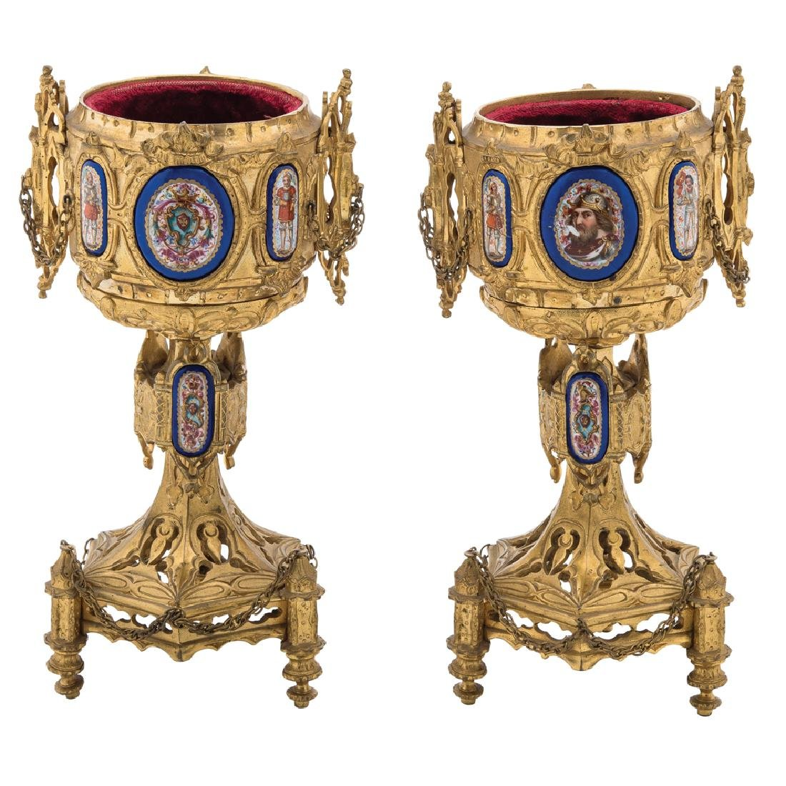 A PAIR OF GOBLETS. 19th CENTURY. Neogotic style. Gilt