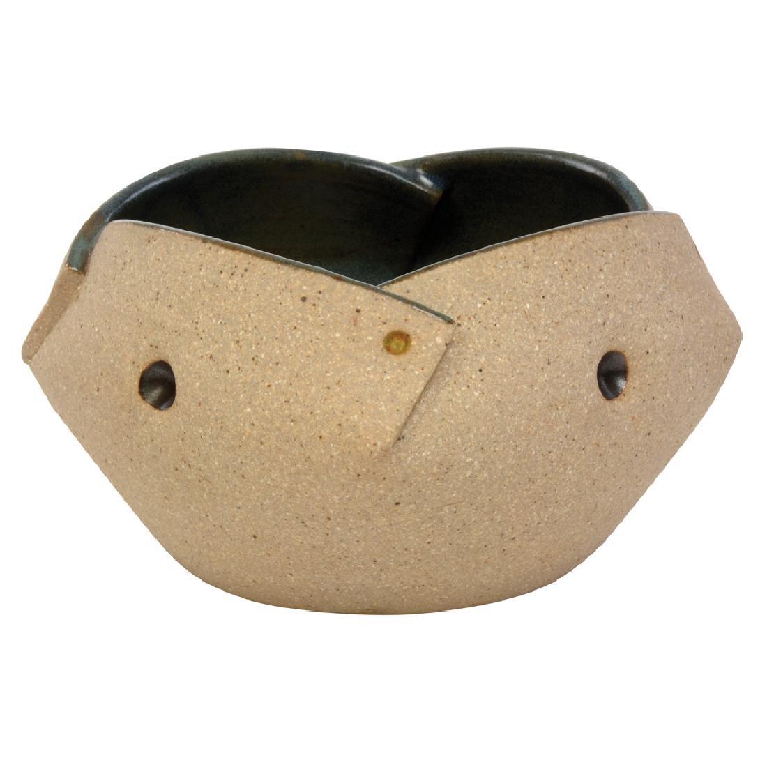 Gustavo Perez. High temperature ceramic vase with gray