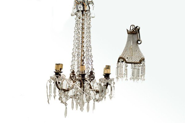 8: Chandelier and pendant lamp