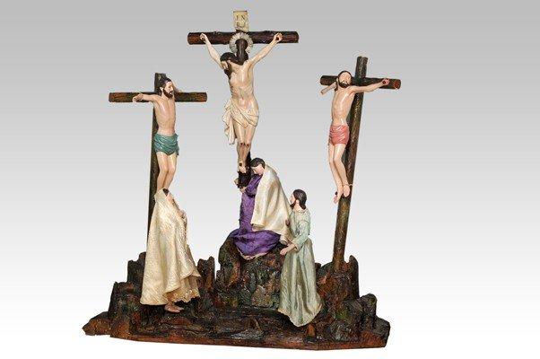 135: Policrhomed Wood figurine